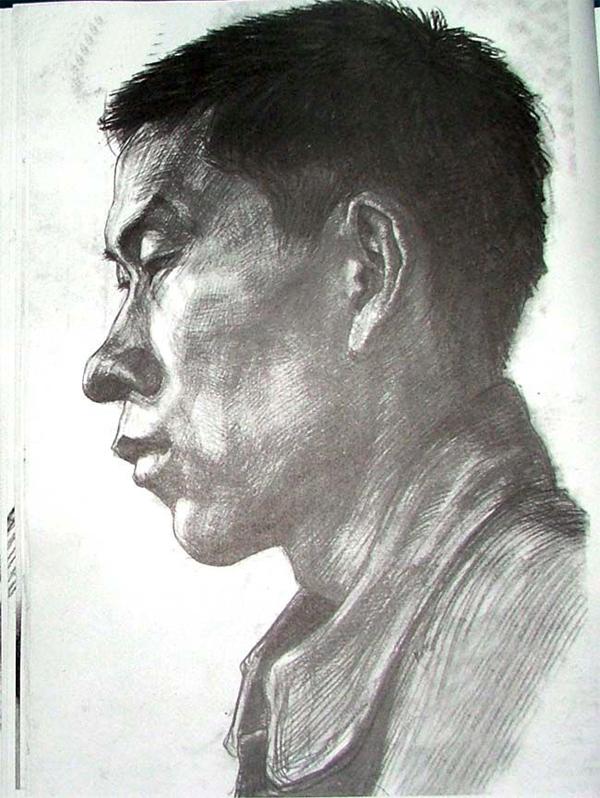 2004年天津美术学院优秀头像素描考卷作品